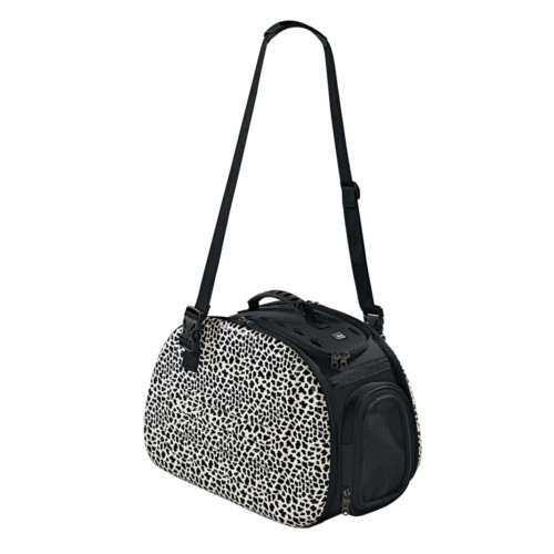 Fashionable travel bags for dogs by Hunter